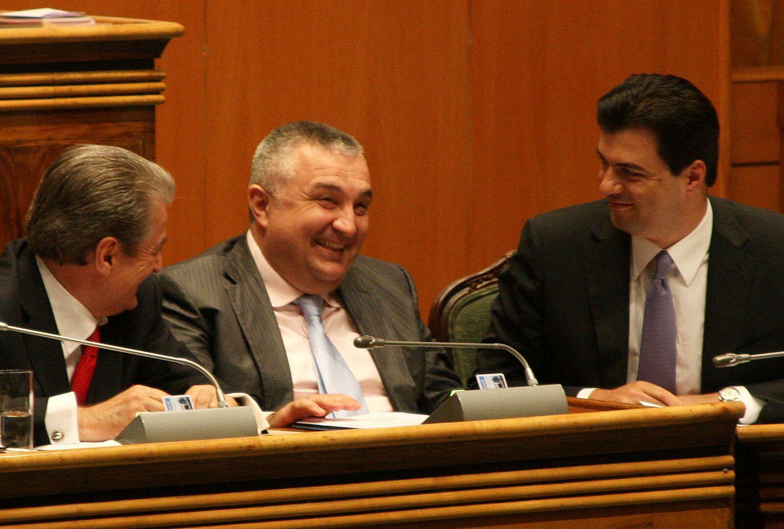 Meta merr në mbrojtje Greqinë: Ajo bën namin për shqiptarët, përgjegjësi ka Rama si ministër i Jashtëm