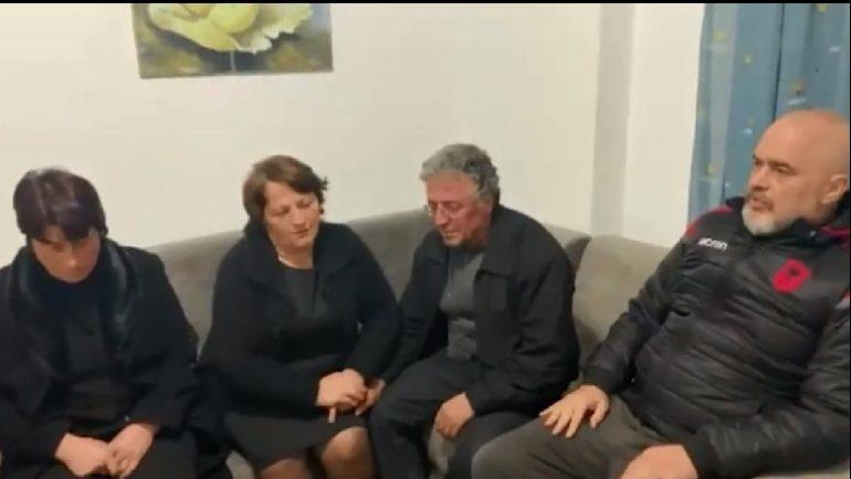 Humbën 9 persona, anëtarët e familjes Lala zhvendosen në Tiranë VIDEO