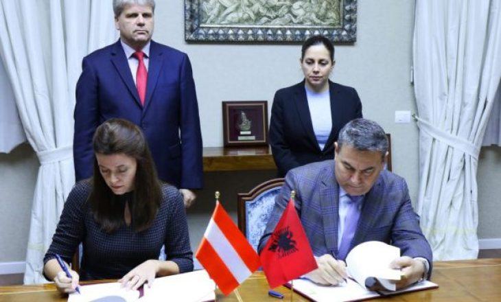 Austria jep 600 mijë euro për të prekurit nga tërmeti në Shqipëri