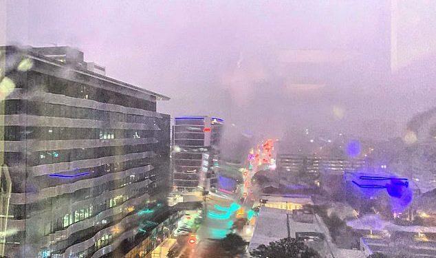 FOTO/ Stuhi e frikshme në Australi, mbi 3 mijë goditje rrufeje për 1 orë