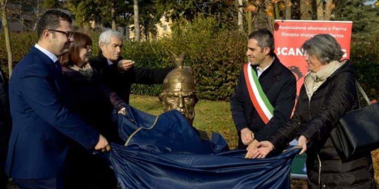 Busti i heroit kombëtar, Gjergj Kastrioti Skënderbeu është vendosur në Parma të Italisë