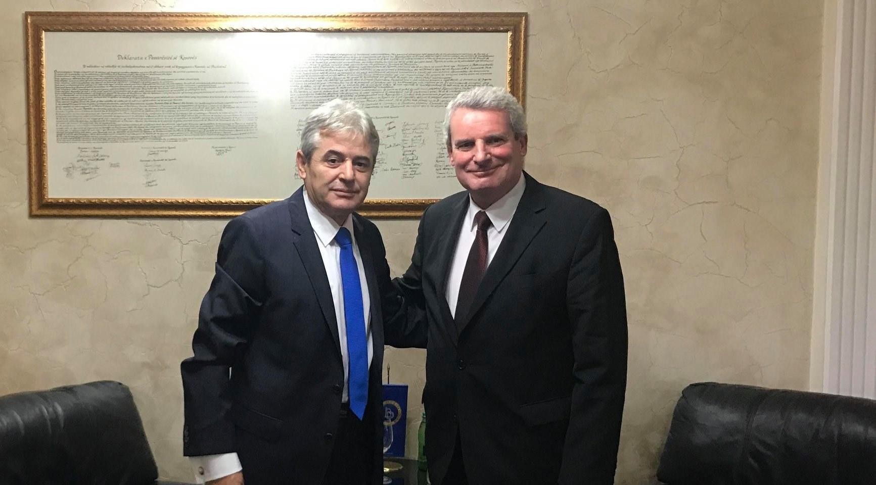 Ali Ahmeti takon Ambasadorin Gjerman: BDI po ripërtërihet