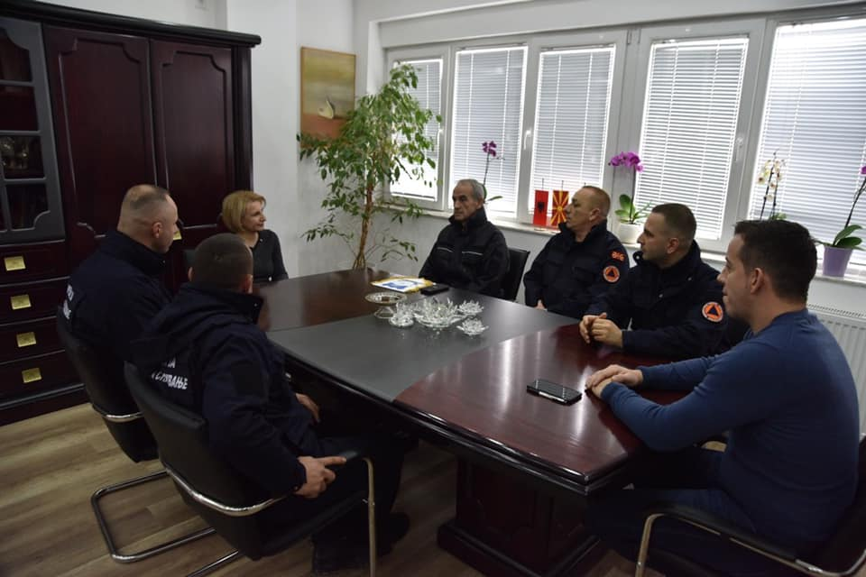 Pjesëtarët e brigadës për mbrojtje dhe shpëtim pranë NJTKZ te Teuta Arifi