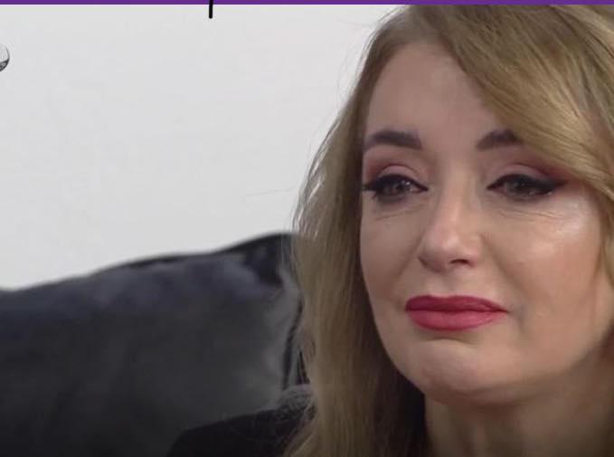 Rovena Dilo qan në emision derisa flet për babanë e ndjerë