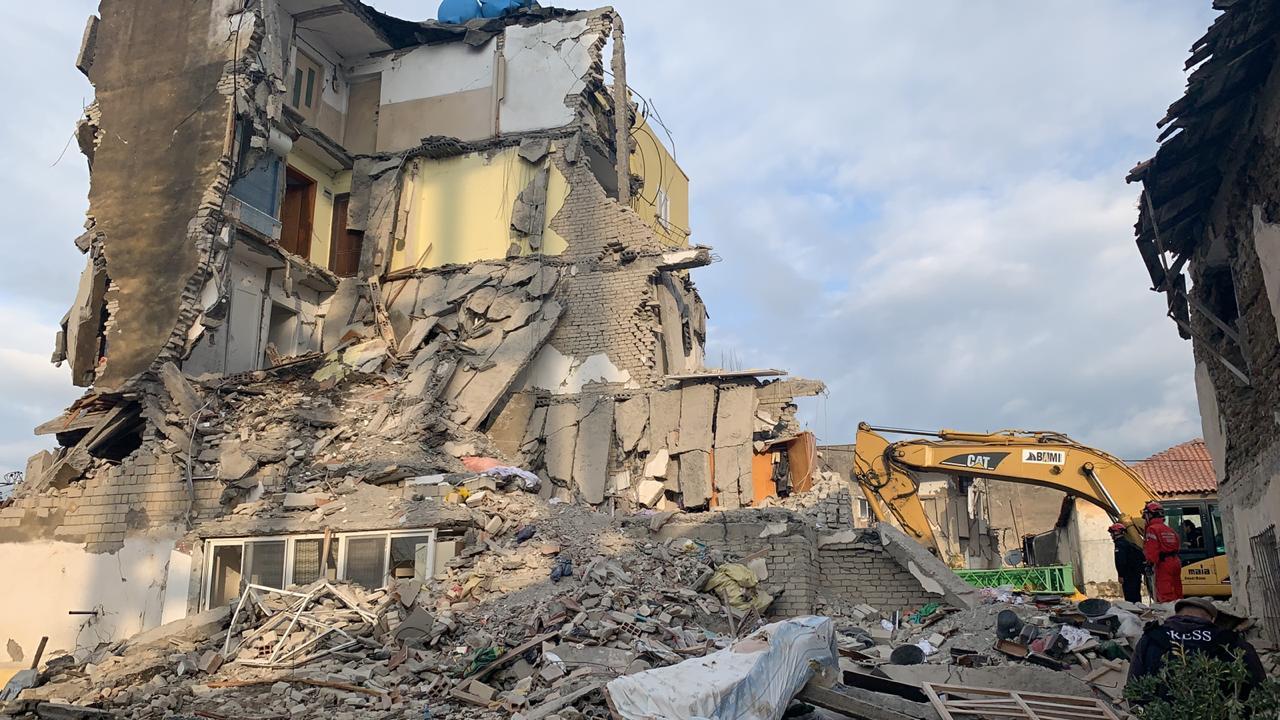 Flasin tre sizmiologë britanikë pas tërmetit në Shqipëri