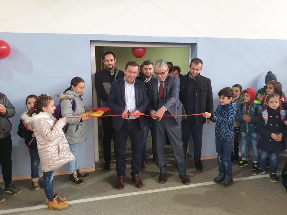 Në përdorim salla sportive në shkollën e fshatit Batincë