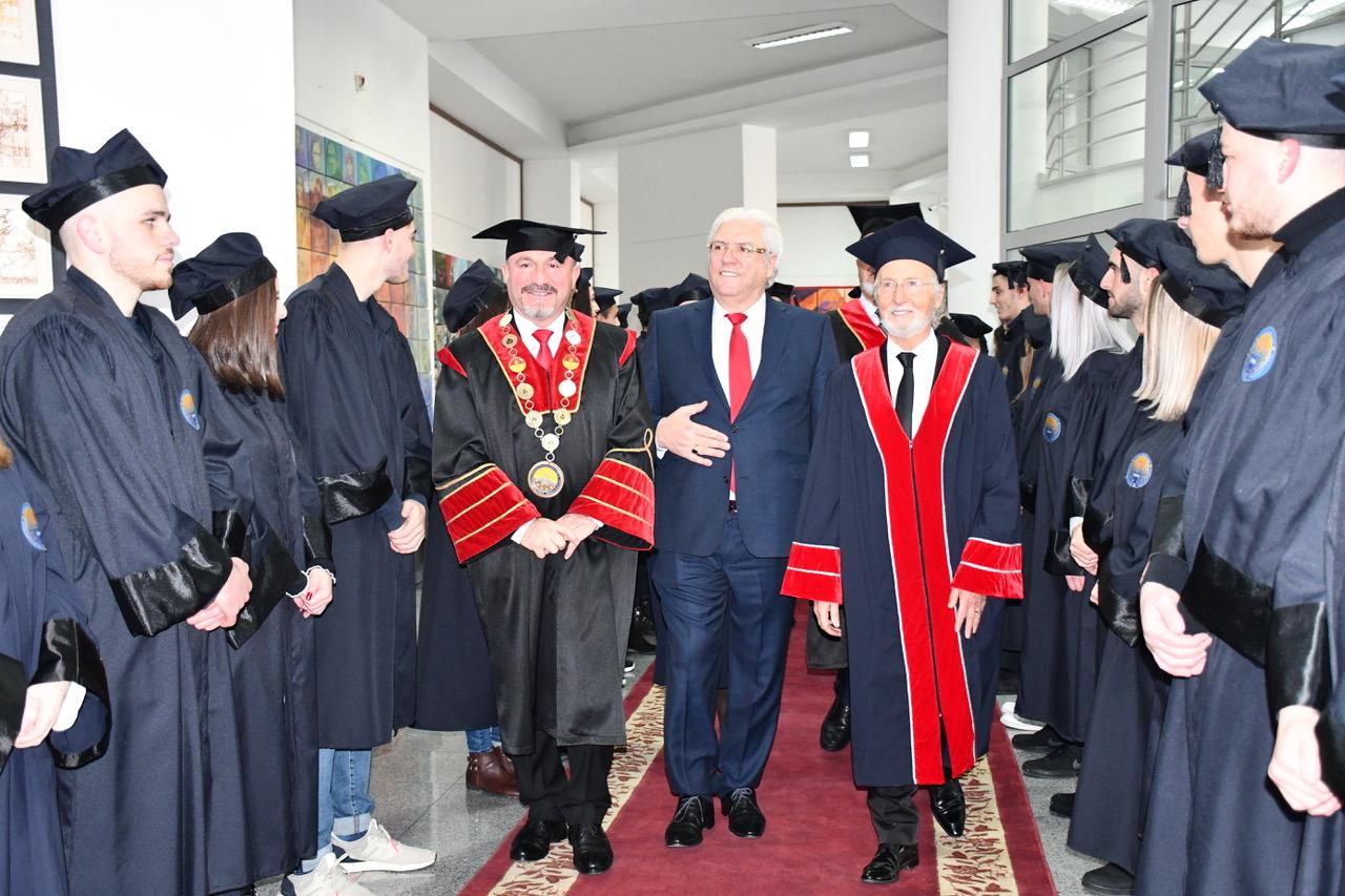 🇦🇱️🇺🇸️   Rektori i UT-së, Prof. Dr. Vullnet Ameti, në fjalën e tij drejtuar të pranishmëve në shpalosjen e shtatores së themeluesit, Prof. Dr. Fadil Sulejmanit