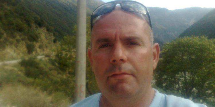 Kush është 47-vjeçari që u vra me armë zjarri në Tepelenë, i vëllai mori plumb në këmbë (Foto)