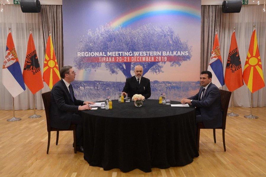 """ABC-ja e Minishengenit Ballkanik dhe hipokrizia e """"nacionalistëve"""" qorra të rrjetit"""