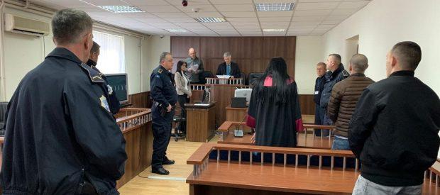 """7.6 vjet burg për dy të akuzuarit që pranuan fajësinë se grabitën filialin e """"Monegos"""" në Vushtrri"""