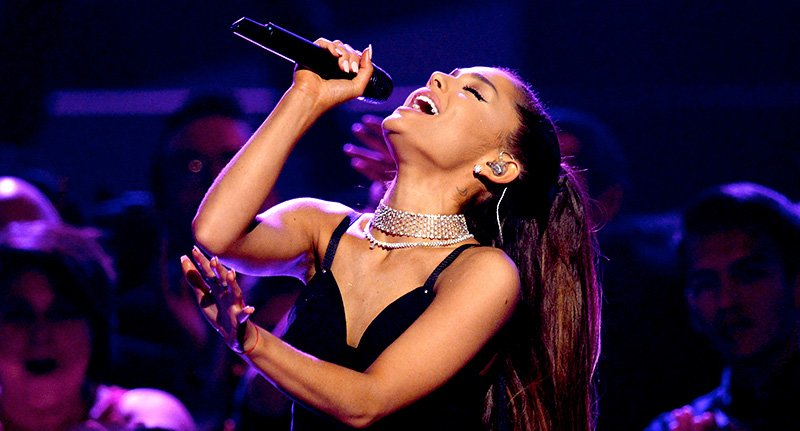 Ariana Grande lanson albumin