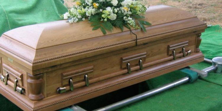 Kryebashkiaku ndalon qytetarët të vdesin gjatë fundjavës dhe ditëve të festave