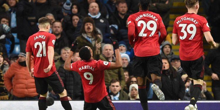 """Manchesteri është """"i kuq"""", United fiton derbin ndaj Cityt"""