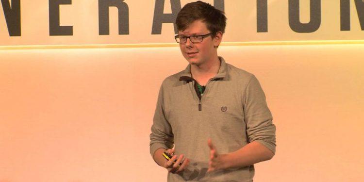 Bleu bitcoin 1.000 dollarë në moshën 12 vjeçare – Sot vlera e tij është 3.2 milion dollarë dhe …