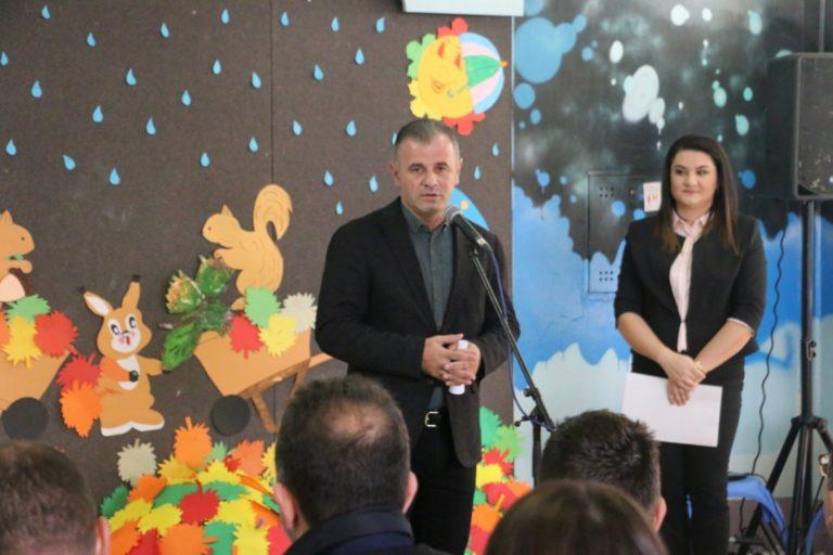 """Lëshohen në përdorim mësonjëtoret e renovuara në kopshtet për fëmijë """"Fidani"""" dhe """"Borëbardha"""""""