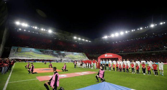 Vërshëllimat ndaj himnit të Francës dhe sendet e hedhura në fushë, UEFA dënon Shqipërinë