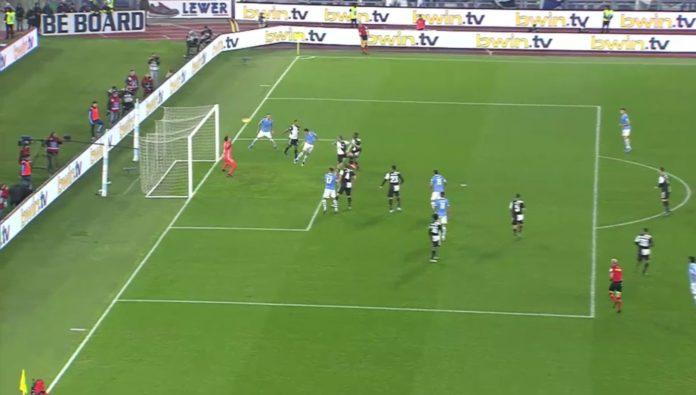 Lazio shtang Juven në fundin e pjesës së parë (VIDEO)