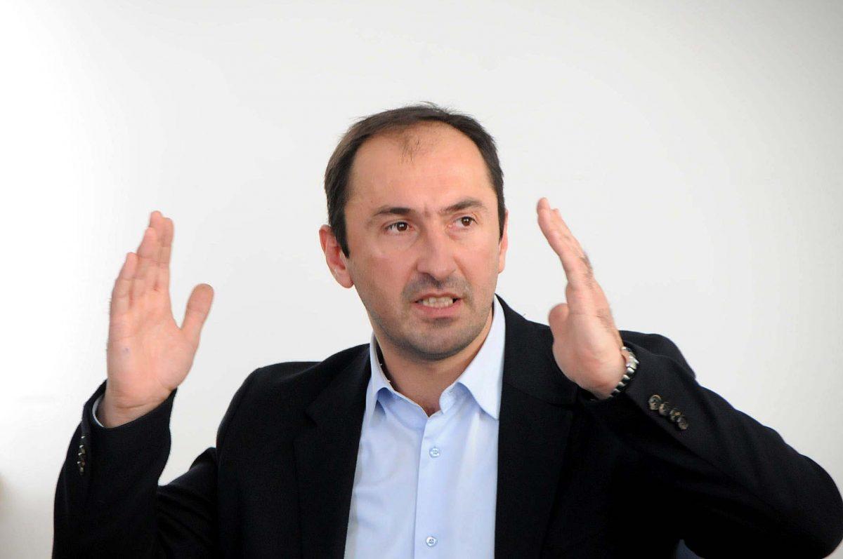 Liburn Aliu: Jemi ende larg me LDK-në, Presidenti problemi kryesor