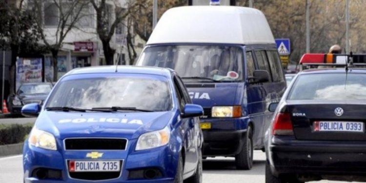 """Grabitet me forcë makina e """"Security"""" në autostradën Tiranë-Durrës, dyshohet se kishte 30 milionë lekë"""