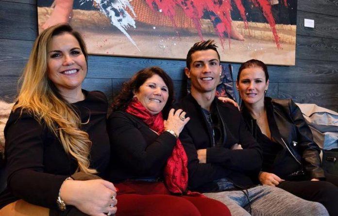 Familja e Ronaldos reagon kundër Van Dijk: Kur të fitosh ndonjë trofe …