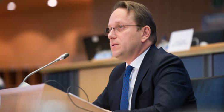 Varhelyi prezanton Metodologjinë së re të Zgjerimit të BE-së, 4 kriteret ku do bazohen negociatat