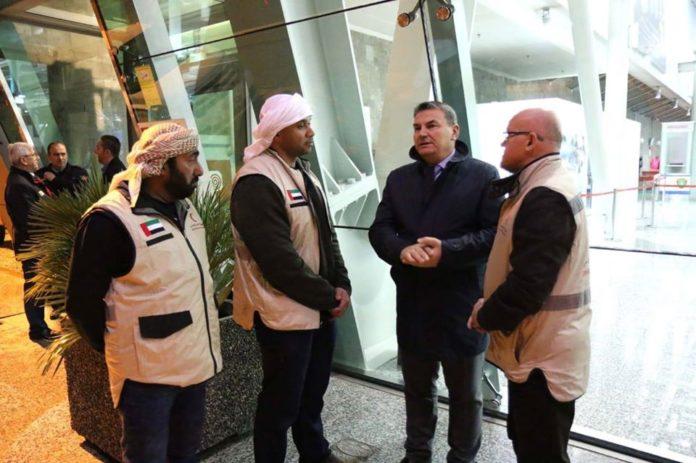 Emiratet e Bashkuara Arabe japin 460 çadra për të prekurit nga tërmeti